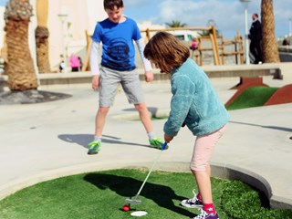 small kids mini golf.jpg