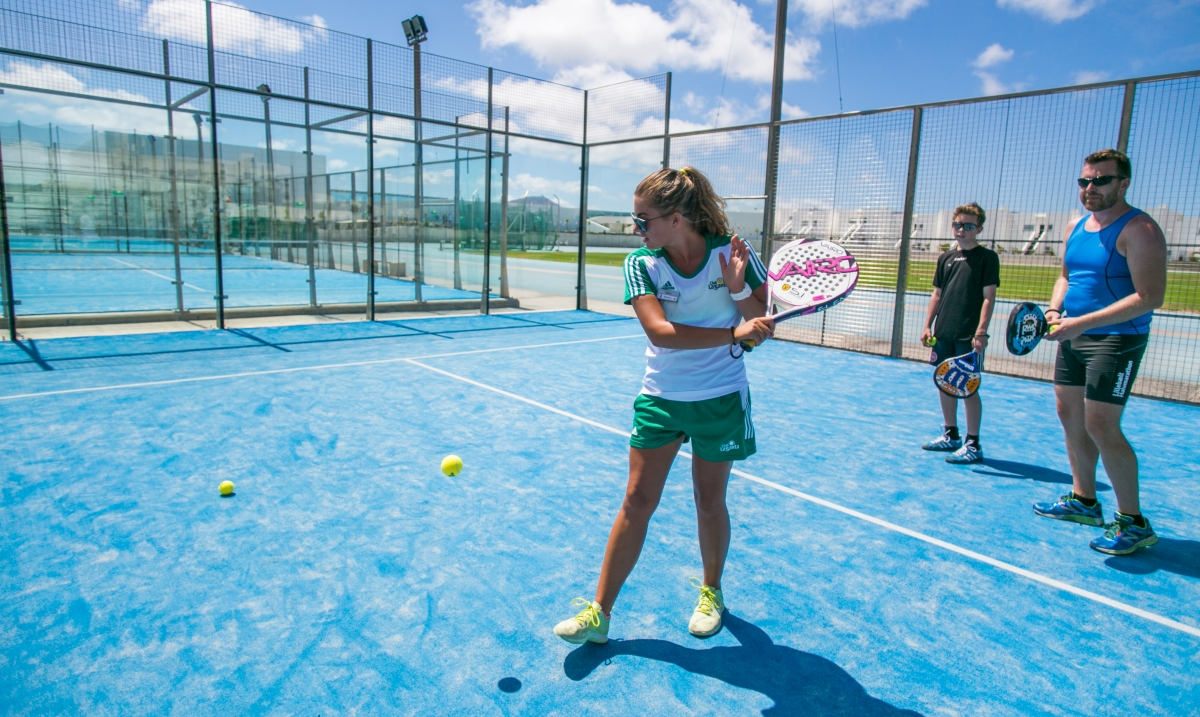how to play paddle tennis